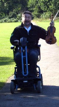 scooting-fiddler200